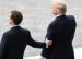 """Macron """"aime tenir ma main"""" dit Trump"""