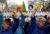 Le gouvernement français prêt à reculer face à la fronde