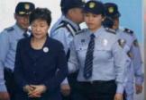 L'ex-présidente sud-coréenne condamnée à 24 ans de prison
