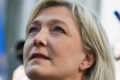 Marine Le Pen se pose en future présidente de la France