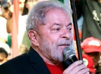 L'ex-président brésilien va se rendre à la justice pour corruption