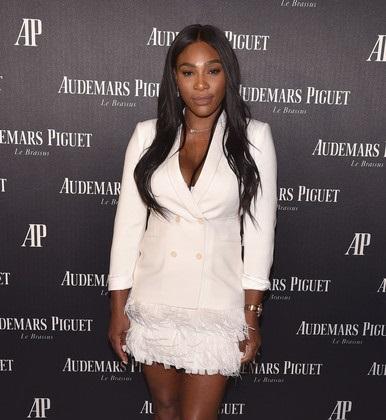 Serena annonce ses fiançailles