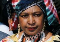 """Décès de Winnie Mandela, """"symbole majeur"""" de la lutte anti-apartheid"""